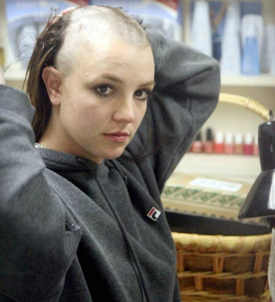 britney-spears-bald-head-4
